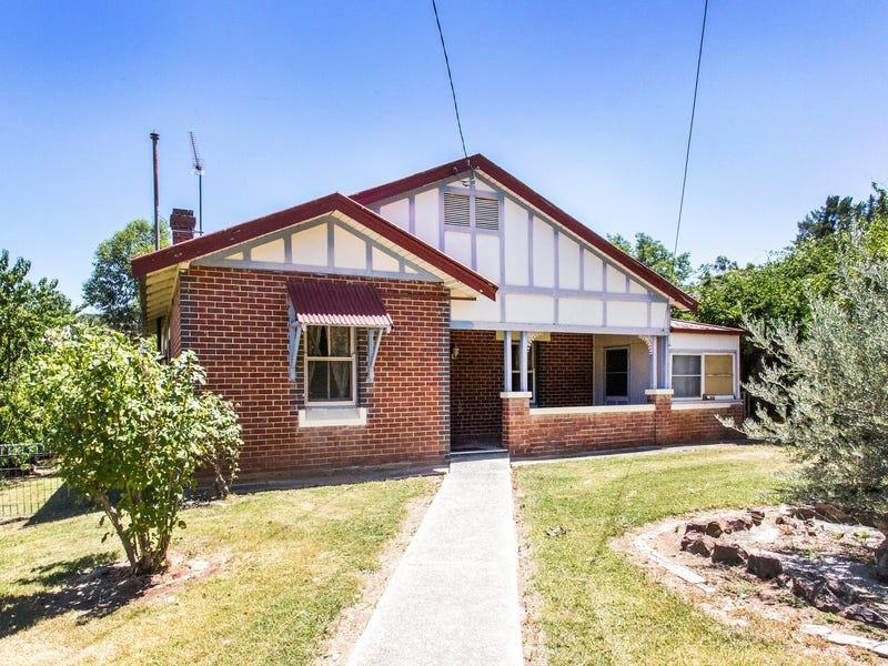 64 Macquarie Street, Cowra, NSW 2794
