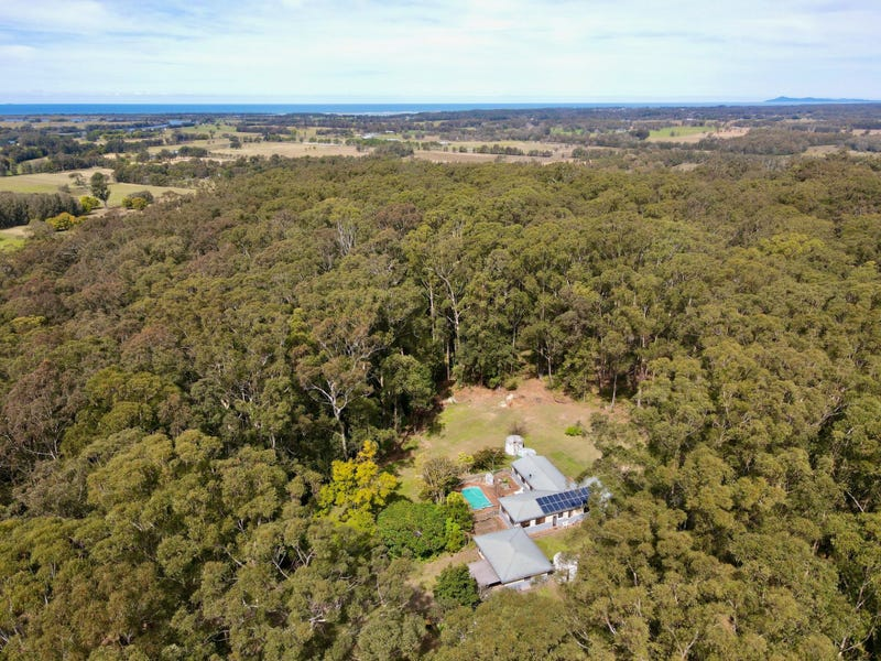 232 Ferry Road, Oxley Island, NSW 2430