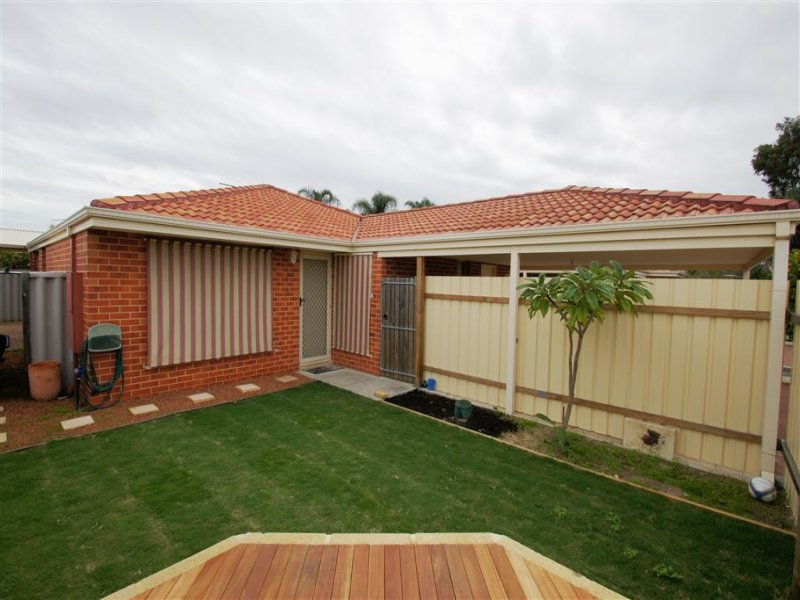 5/4 Wittenoom Road, High Wycombe, WA 6057