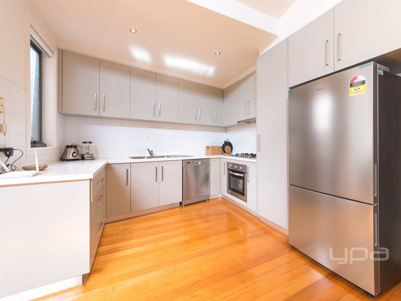 4/20 Ridge Road, Oak Park, Vic 3046
