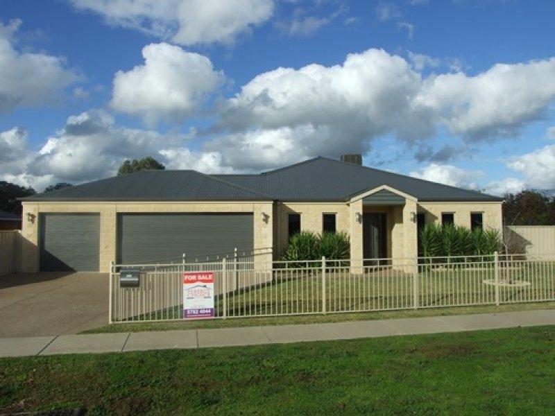 11 Olivers Road, Benalla, Vic 3672