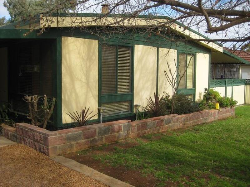 10 Matthews Street, Cobar, NSW 2835