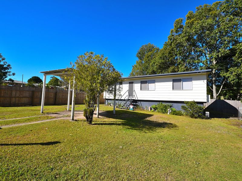 39 Canando Street, Woodford, Qld 4514
