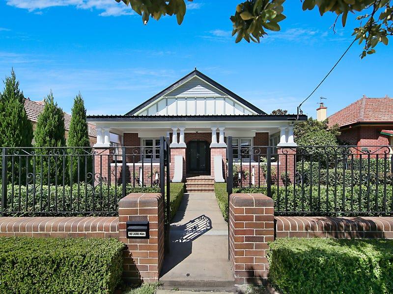 205 Parkway Avenue, Hamilton South, NSW 2303