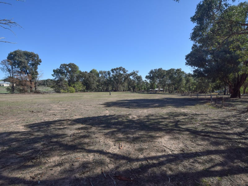 36 Rowleys Road, Young, NSW 2594
