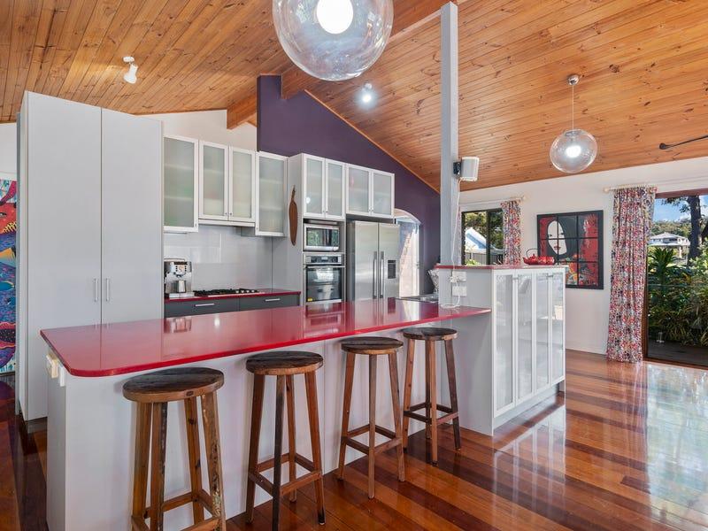 4 Parkes Drive, Korora, NSW 2450