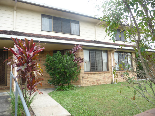 2/1 Armstrong St, Petrie, Qld 4502