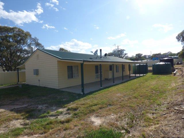 1072 frogmore road, Frogmore
