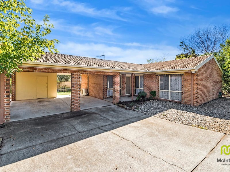 1/10 Kingscote Crescent, Bonython, ACT 2905