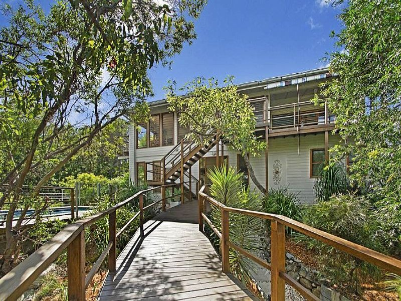 8 Meri Court, Point Arkwright, Qld 4573