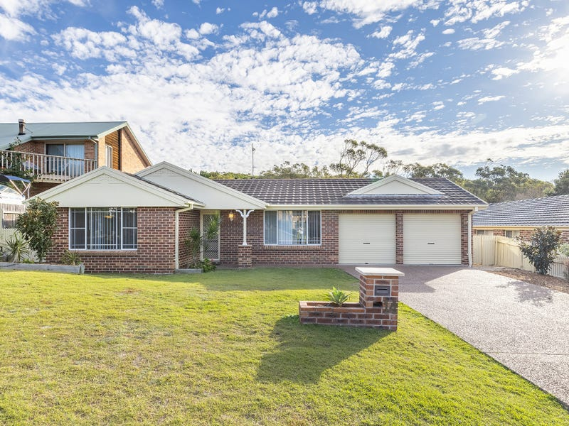 14 Hawkes Way, Boat Harbour, NSW 2316