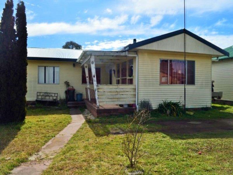 13 Wirruna Street, Guyra, NSW 2365