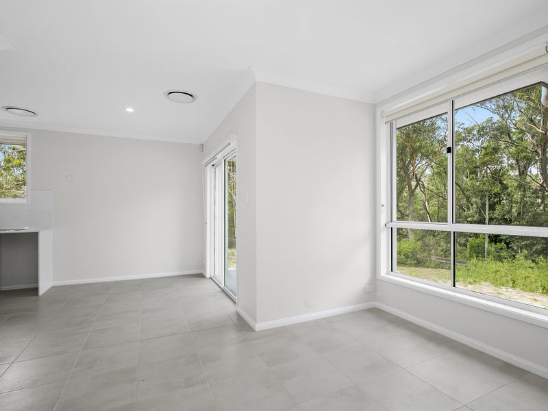 40a Carnarvon Drive, Frenchs Forest, NSW 2086