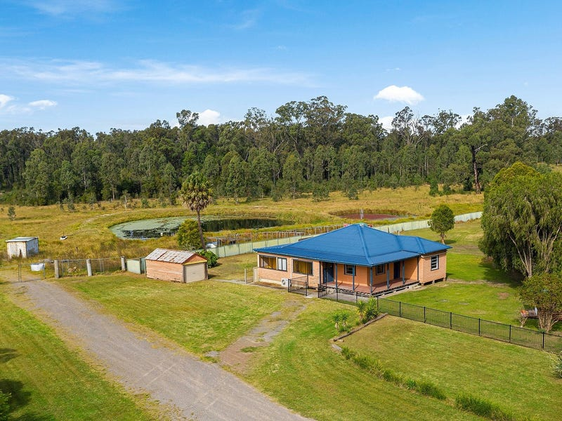 16 Shetland Drive, Limeburners Creek, NSW 2324