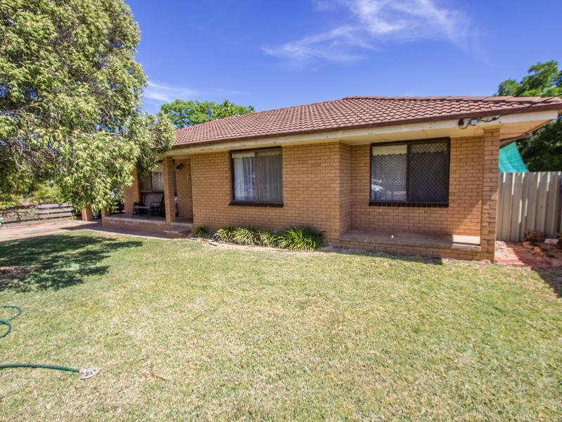 80 Dalgetty Street, Narrandera
