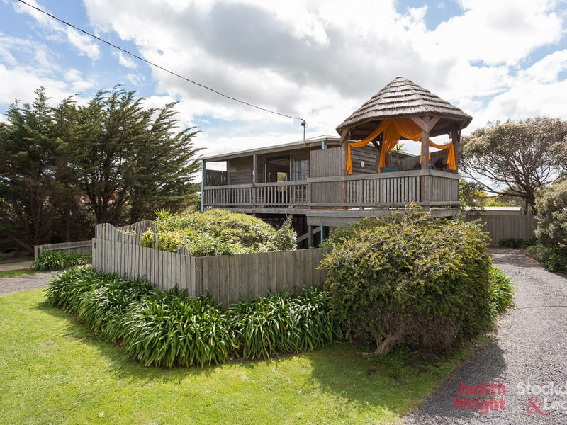 2 Seaview Crescent, Surf Beach, Vic 3922