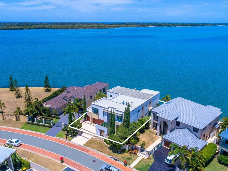 44 King Charles Drive, Sovereign Islands, Qld 4216