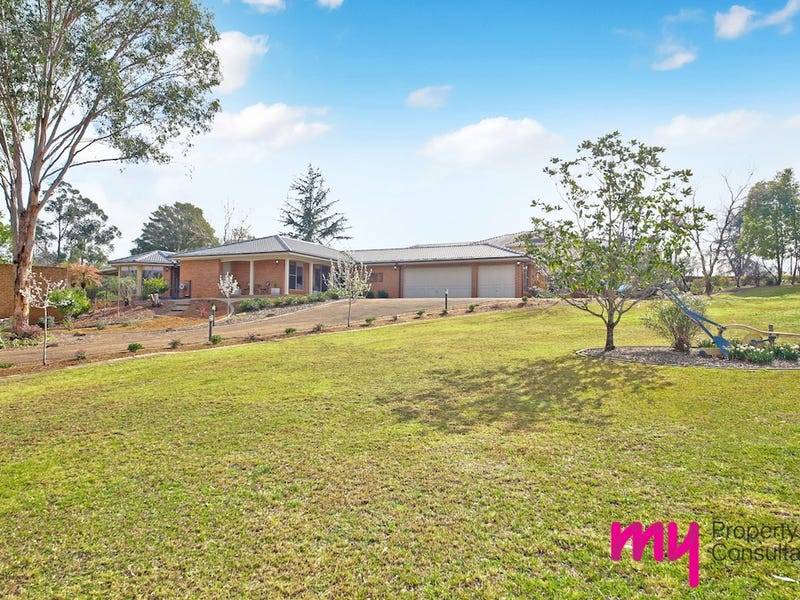 11 Willoughby Circuit, Grasmere, NSW 2570