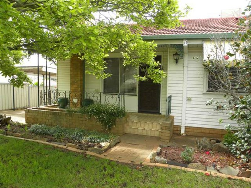 72 CAMPBELL STREET, Young, NSW 2594
