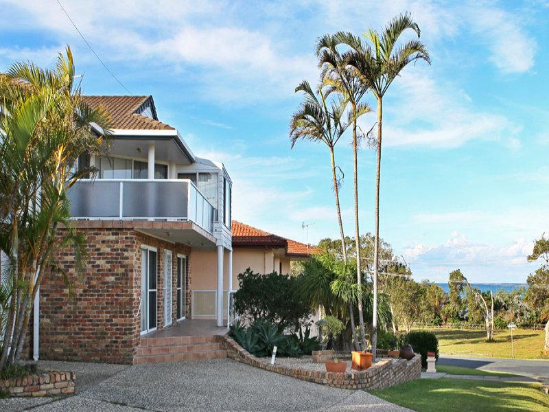 1/127 Diamond Head Drive, Sandy Beach, NSW 2456