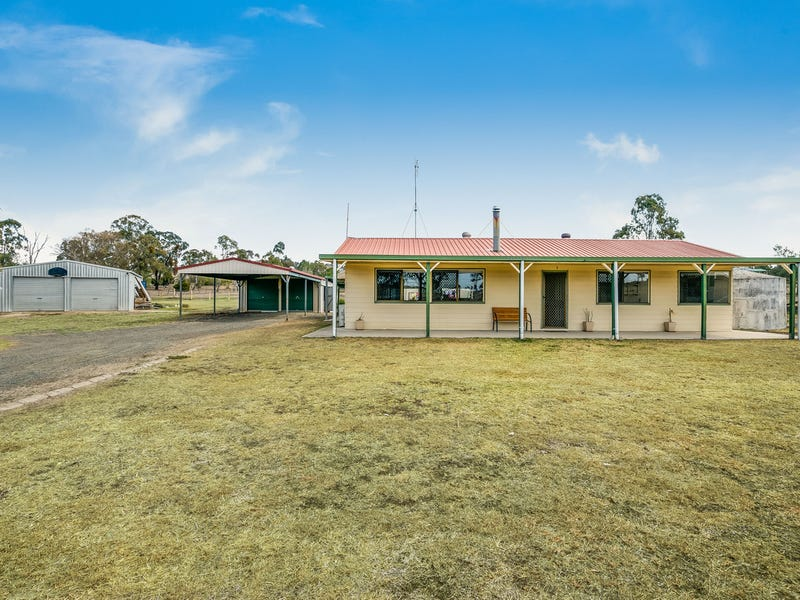 7 Peters Road, Meringandan West, Qld 4352