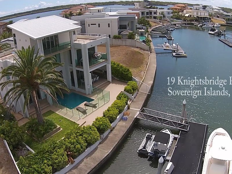 19 Knightsbridge Parade East, Sovereign Islands, Qld 4216