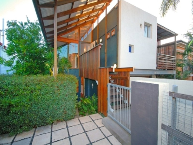 Address available on request, Newstead, Qld 4006
