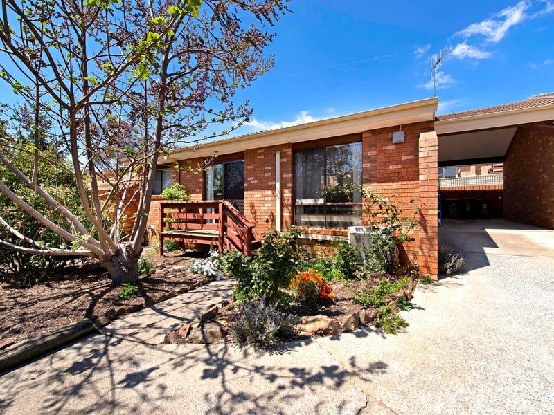 2/12 Lazarus Crescent, Queanbeyan West, NSW 2620