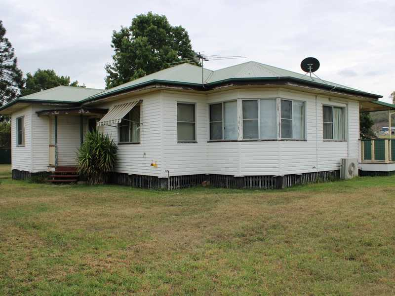 14-16 New England Highway, Allora, Qld 4362