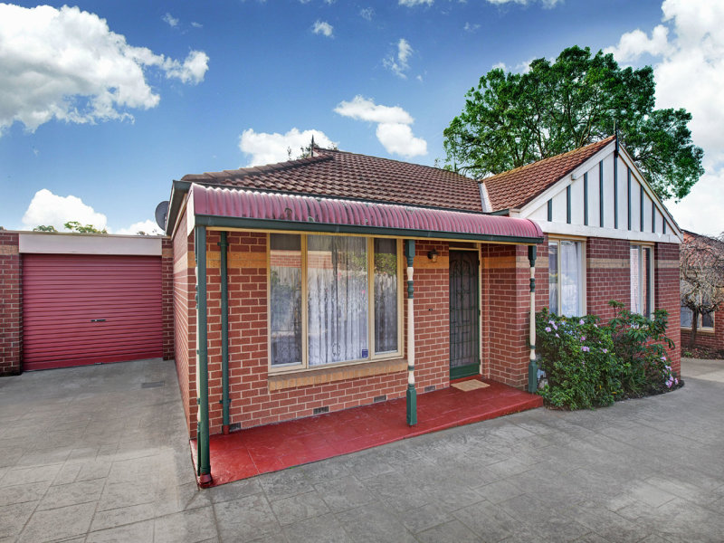 2/9 Creek Road, Mitcham, Vic 3132