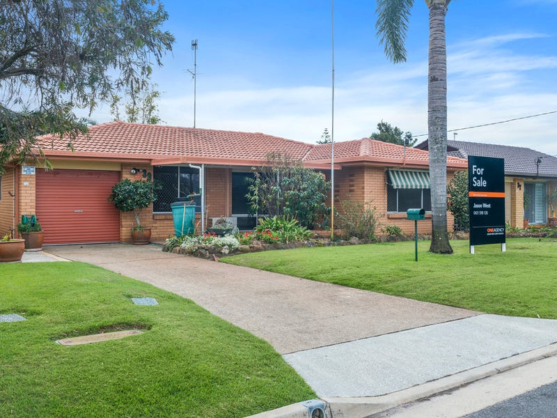 39 Denawen Street, Palm Beach, Qld 4221