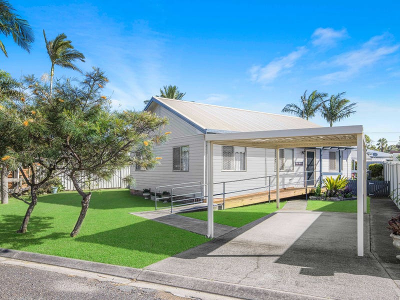 11 Walker Street, Crescent Head, NSW 2440