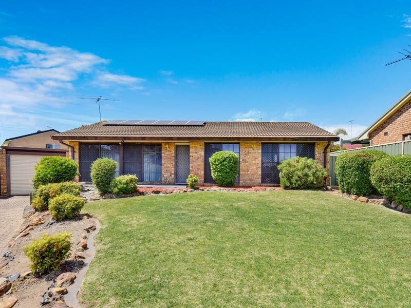10 Rider Place, Minto, NSW 2566