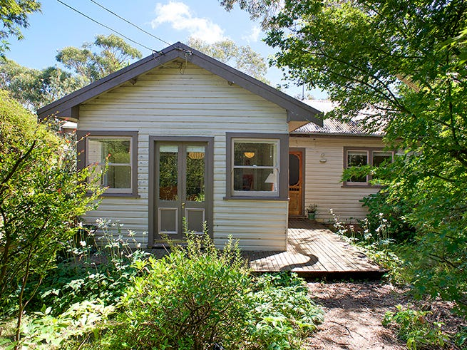 5 Yester rd, Wentworth Falls, NSW 2782