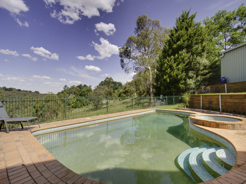 128 Belgrave Hallam Road, Belgrave South, Vic 3160