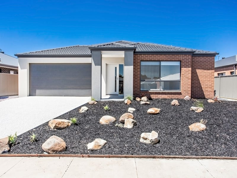 6 Dadswell Way, Miners Rest, Vic 3352