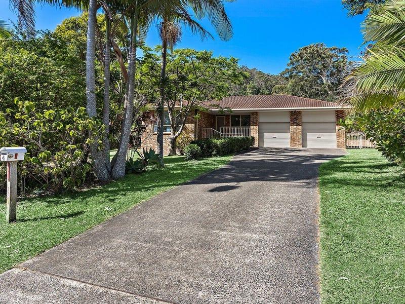 4 Azure Avenue, Emerald Beach, NSW 2456