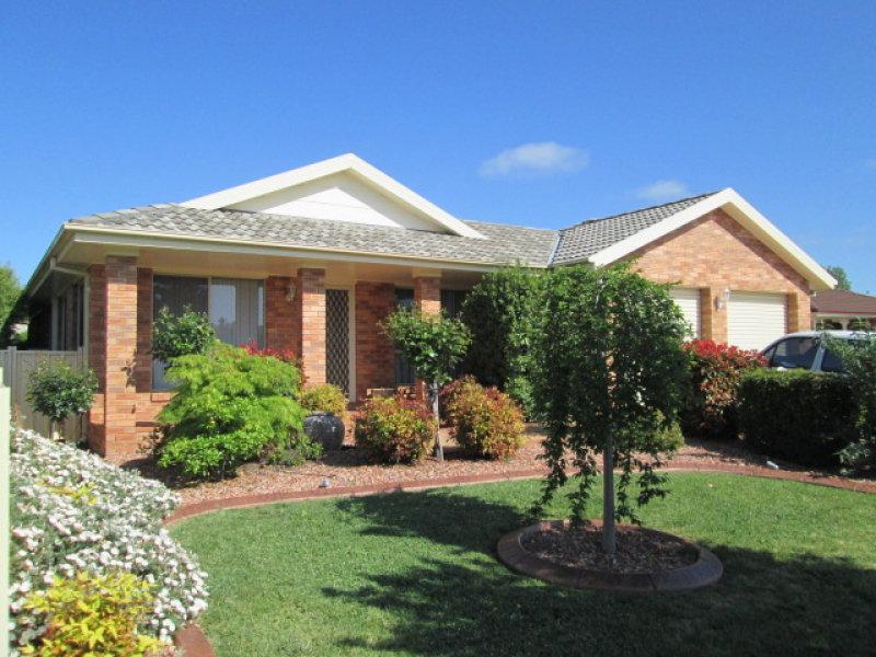 8 PARADISE PLACE, Goulburn, NSW 2580