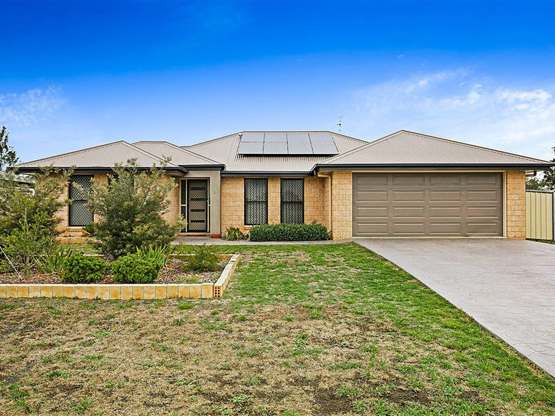 3 Coral Court, Cambooya, Qld 4358