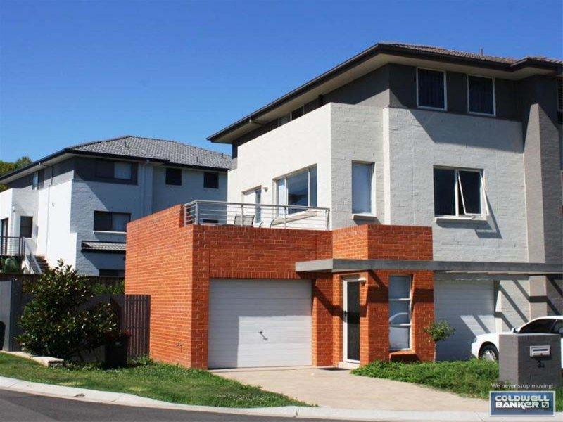 2/2 Parkwood Rd, Holsworthy, NSW 2173