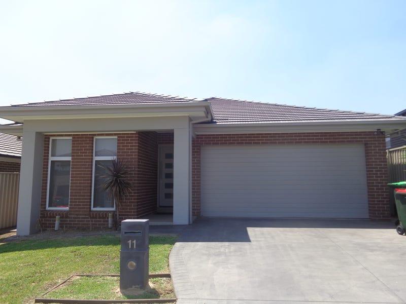 11 McMaster Avenue, Middleton Grange, NSW 2171