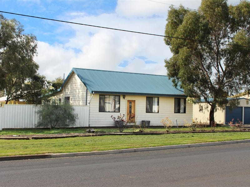 93 South Avenue, Bordertown