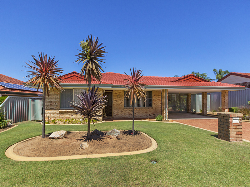 6 Poinsettia Grove, South Lake, WA 6164