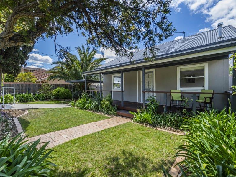 42 Ross Road, Queanbeyan, NSW 2620