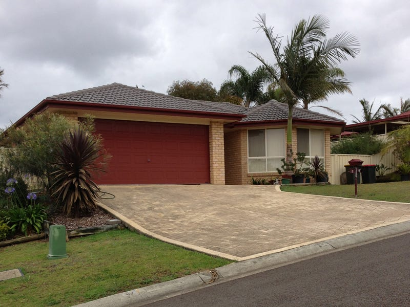 8 Mulwala Drive, Wyee Point, NSW 2259