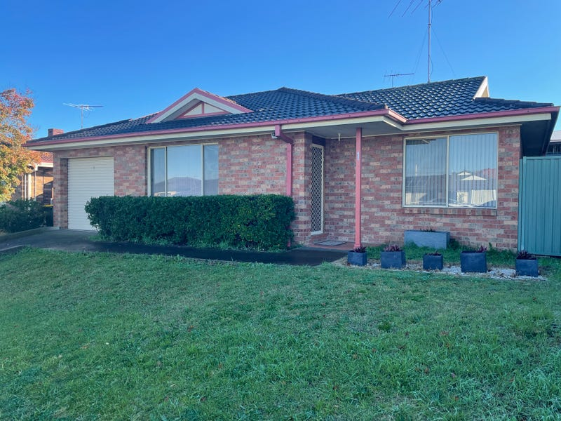 1/299 Green Valley Road, Green Valley, NSW 2168