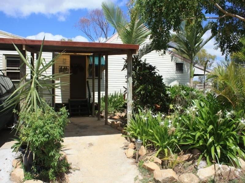 2 Neylons Road, Southern Cross, Qld 4820
