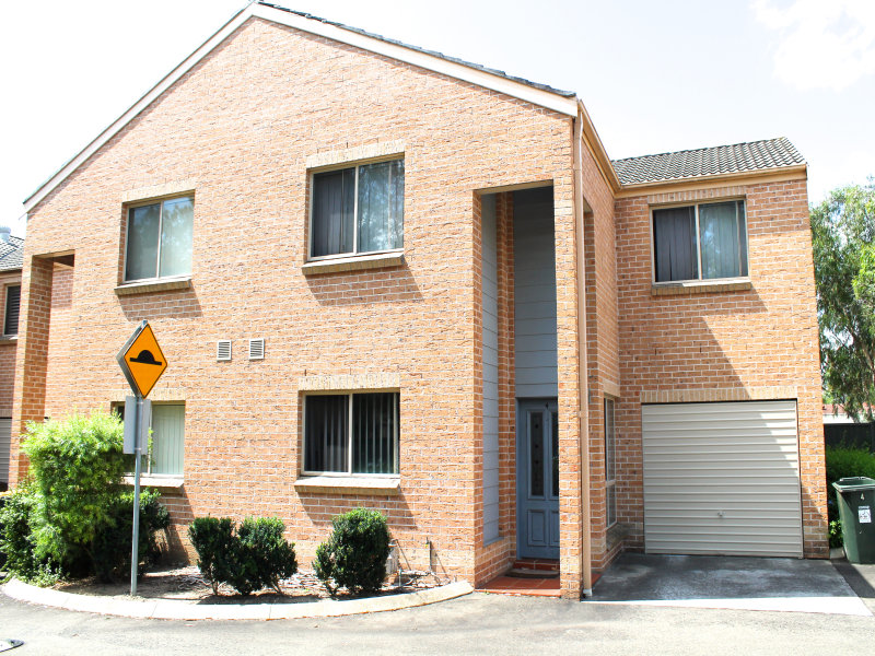 4/46 STANBURY PLACE, Quakers Hill, NSW 2763
