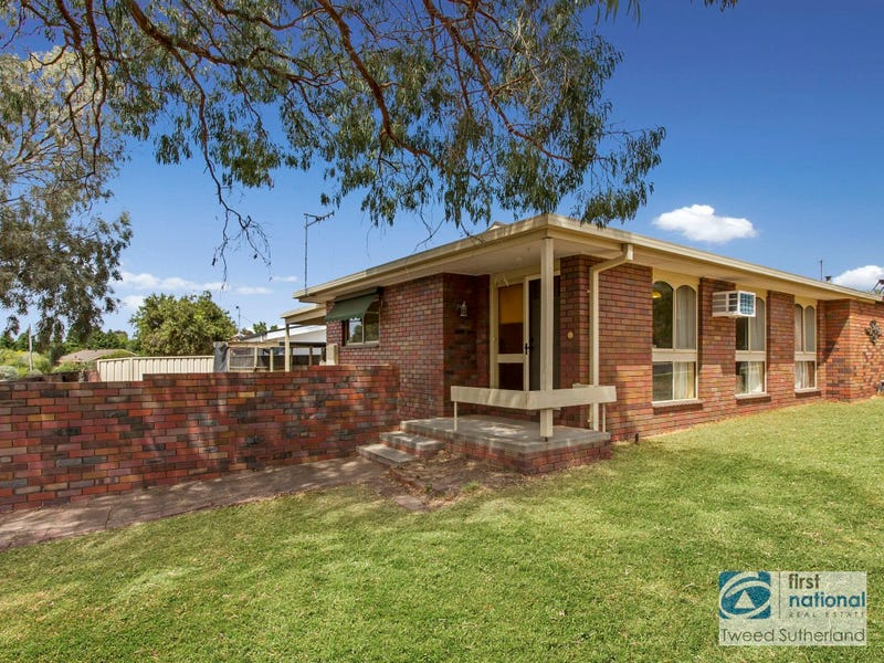 2/1 Bunting Court, Strathdale, Vic 3550