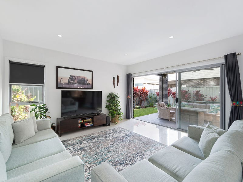 17 National Avenue, Shell Cove, NSW 2529